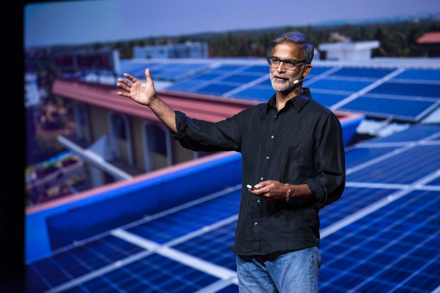 Amar Inamdar giving a talk at TEDGlobal about energy access in Africa